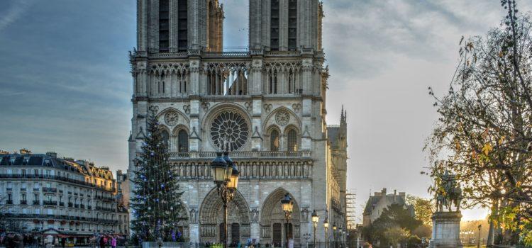 Причины пожара в Соборе Парижской Богоматери